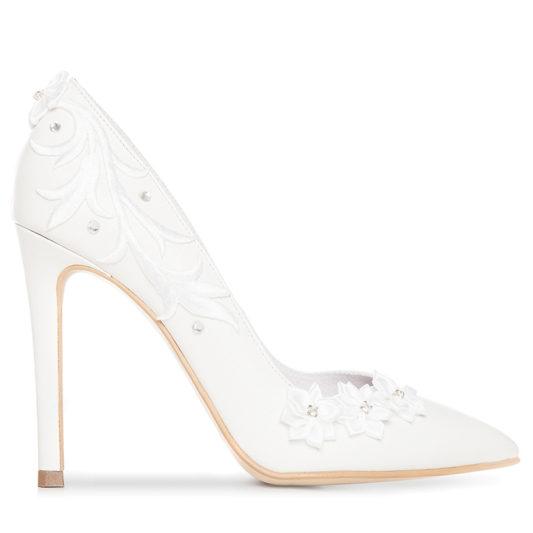 White bridal shoes with high heel Classy Flower
